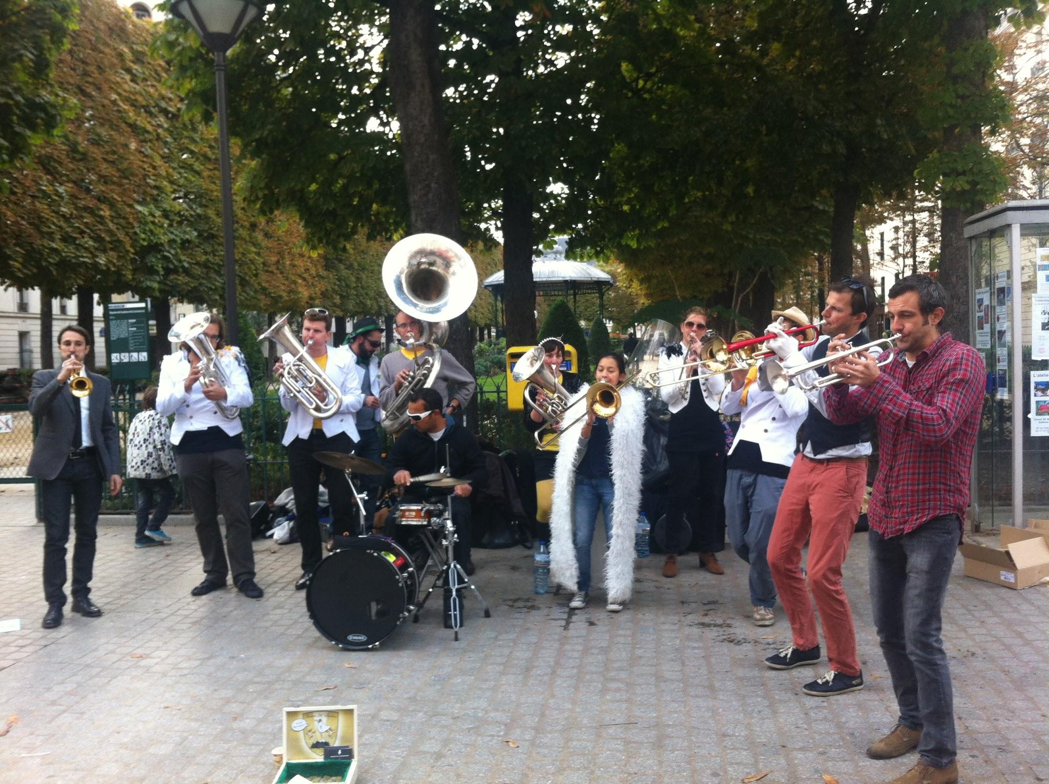 Les Mouette animent les rues de Paris